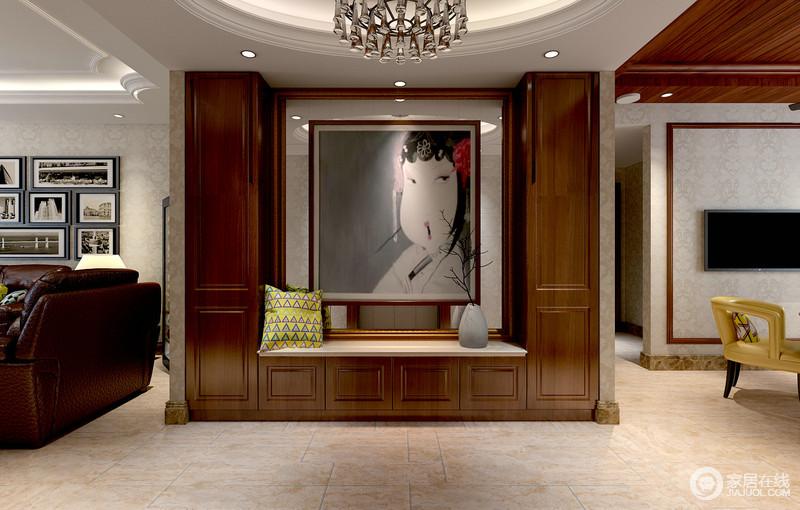 入户玄关背景墙上,U型棕红木环绕着极具视觉的装饰画,画上戏曲人物姿态妩媚神韵婉约,瞬间让空间的情调有种传统的典雅之意;北欧风靠枕色调鲜亮,枯枝瓶花素雅自然,整个视觉感受上,既丰富多元又具有层次上的考究。