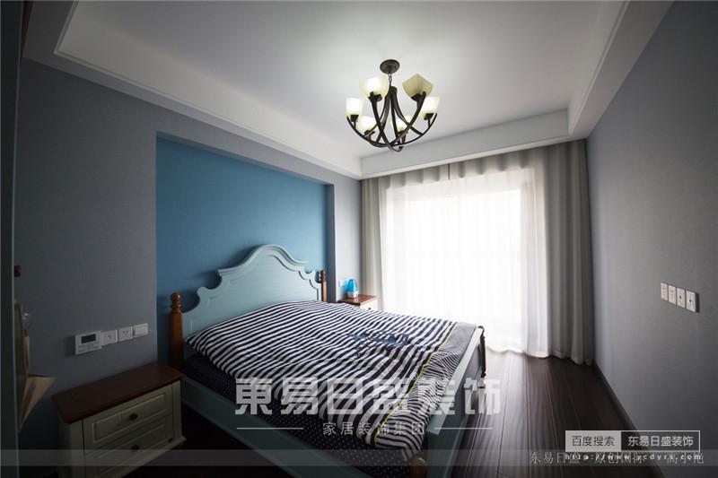 卧室设计的法式简约风格,是那么的安宁、静谧