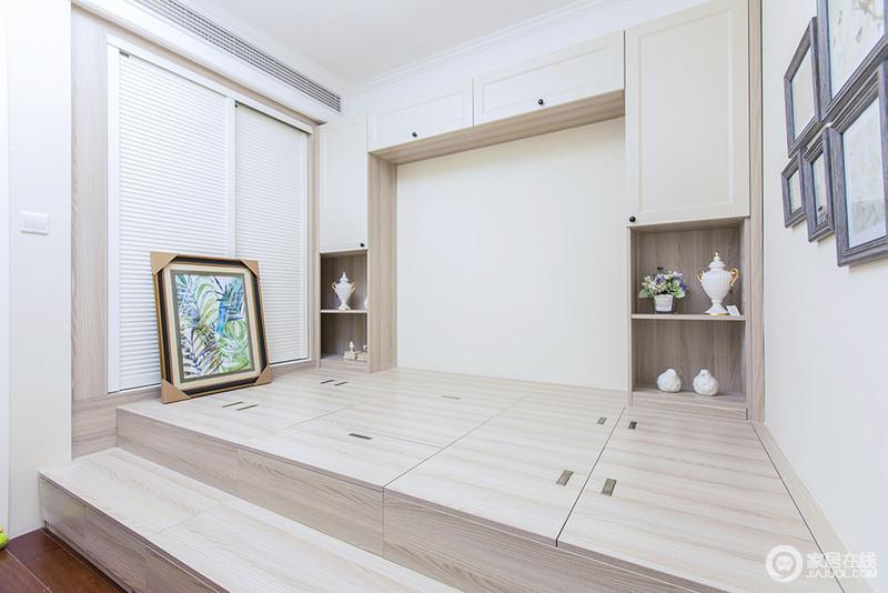 休闲室以定制化设计让生活更为轻松自在,没有了空间局限感,才更为舒适;榻榻米的设计解决了收纳问题,同时,饰品也起到点缀与装饰作用,让生活不缺乏美感。