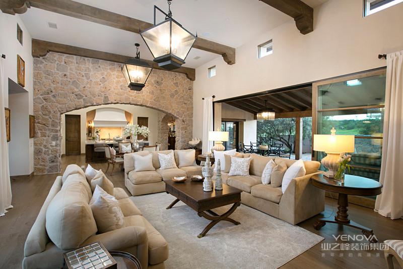 配以墙砖装饰,使客厅成为一大亮点,更是凸显了鲜明的设计特色。