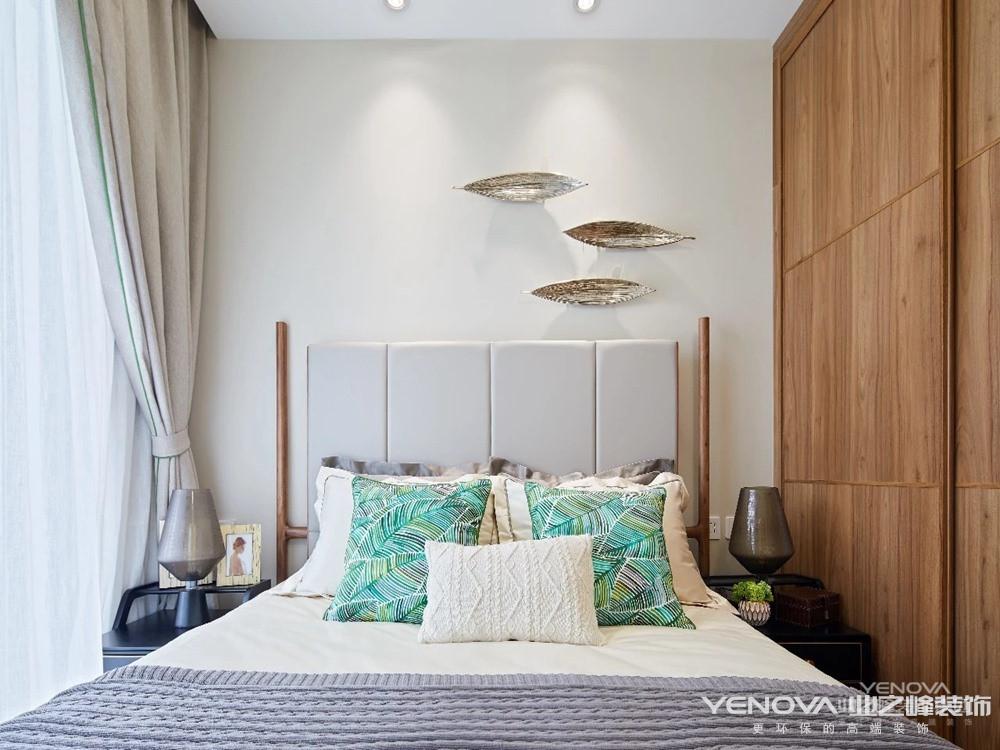 融入室内满眼的绿,空间与文化的相互融合,塑造出属于这个风格的质朴、休闲、静谧、雅致、禅意、脱俗、奔放、热情。