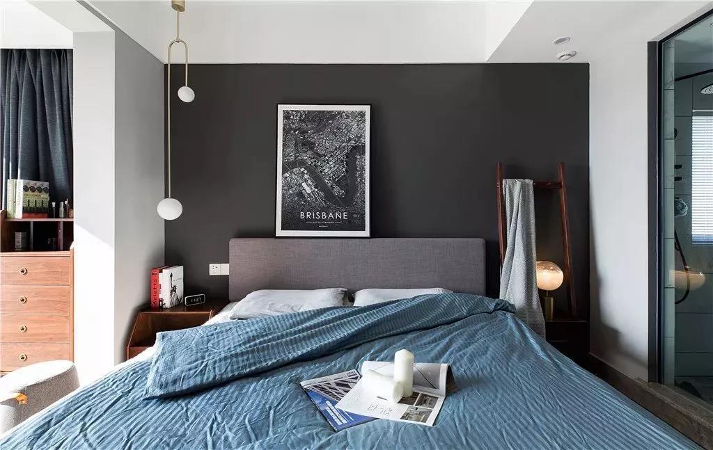卧室设计贴合主人的生活习性 在大套房里做三分离 把空间延展开来 用简单的搭配/注入灵魂的设计 以此来提升生活品质