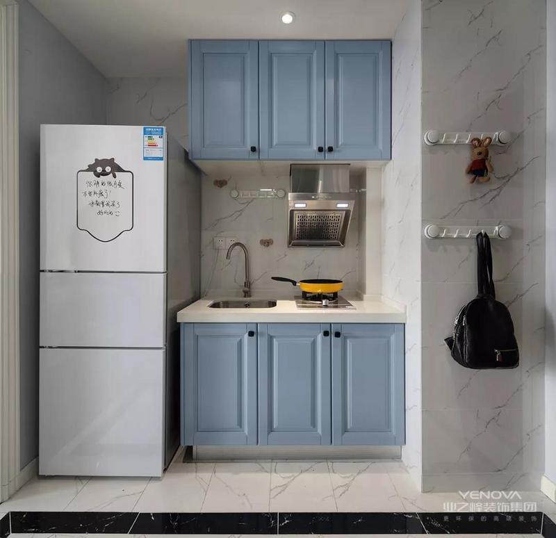 整体设计风格为舒适的现代美式,以温馨优雅的空间搭配,营造出一个浪漫精致的空间氛围。