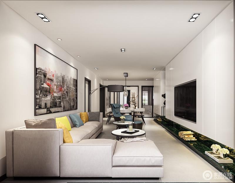 客餐厅一体式设计整洁大气,动线自然分隔,更为利落自在;简约风格的沙发更觉得柔软舒适,没有过多造型的电视背景墙对应风格明显的沙发背景,黑白灰之间形成一种和谐;米色沙发因为彩色靠垫跳跃出活力,让平静的空间也充满优雅。