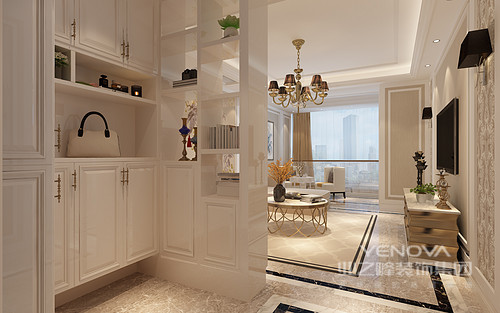 设计师将玄关区设置为一个整体式收纳柜,将鞋柜和展示柜连为一个整体,增强了整体的艺术效果,也更为整洁、实用。