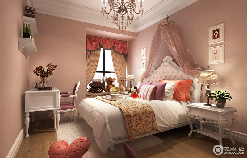 晶粉色的儿童房充满了甜美浪漫气息,双人床和床头柜及书桌,则以白色搭配组合,清新的粉白营造了满室的梦幻感;双人床布艺和窗帘及床幔,以不同红粉紫的色调,隽永缤纷的点缀,条纹、碎花图案更添细腻活泼。