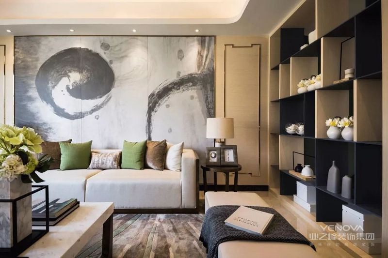 中式设计风格的装修中,对于色彩的使用也是很有讲究的。一般来说中式设计风格住宅使用的颜色多为深红、棕色等颜色,主要为了打造一种沉稳厚重的装修效果