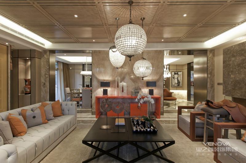 客厅合理的家居色彩搭配,高贵、奢华又不失其温馨、浪漫!