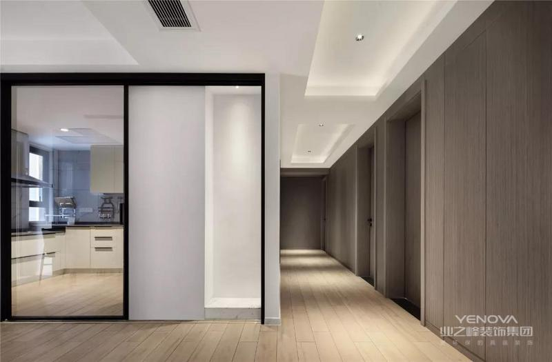 整体以现代简雅的空间氛围,现代舒适的元素与质感,营造出舒适时尚的素雅空间感