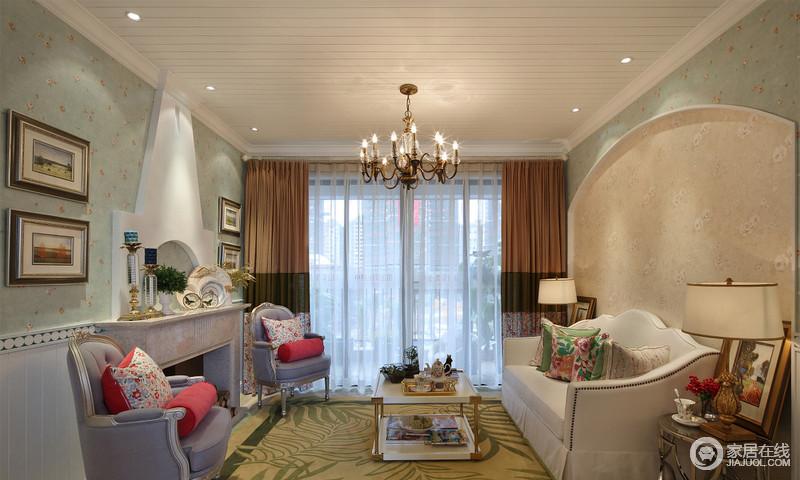 """田园风格的居室还要通过绿化把居住空间变为""""绿色空间"""",大家可以结合家具陈设等布置绿化,或者做重点装饰与边角装饰,比如沿窗布置,使植物融于居室,创造出自然、简朴、高雅的氛围。"""