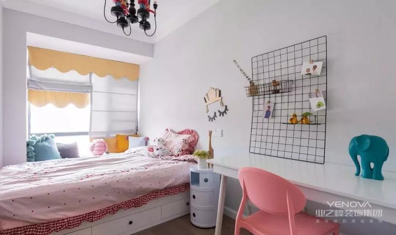 儿童房兼具书房功能,粉嘟嘟的儿童房,是每位小公主的向往,整体软硬搭配,漂亮温馨