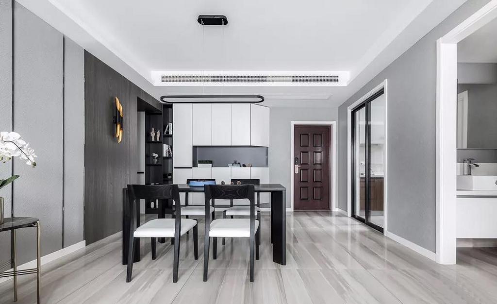 餐厅加入了很多原木元素,用原木去表达整个家中最柔软的地方。