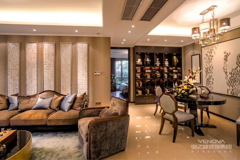 浪漫与优雅气质弥漫其中,气度非凡,凸显居室主人的身份尊贵。