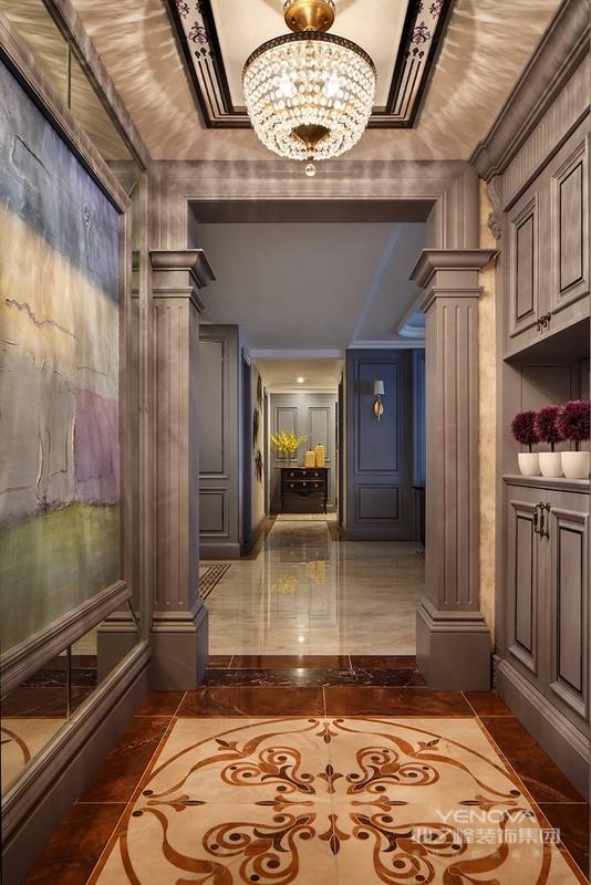 现代简约风格不尽可以时尚,也可以装修设计出无限温馨的舒适感。上面的现代简约风格客厅,给人视觉的、精神的享受。白色的沙发、木制的茶几,完美的将时尚与古典融合。室内融合一个看起来简单的角落设计,其实都凝结着设计师的独具匠心,既美观又实用