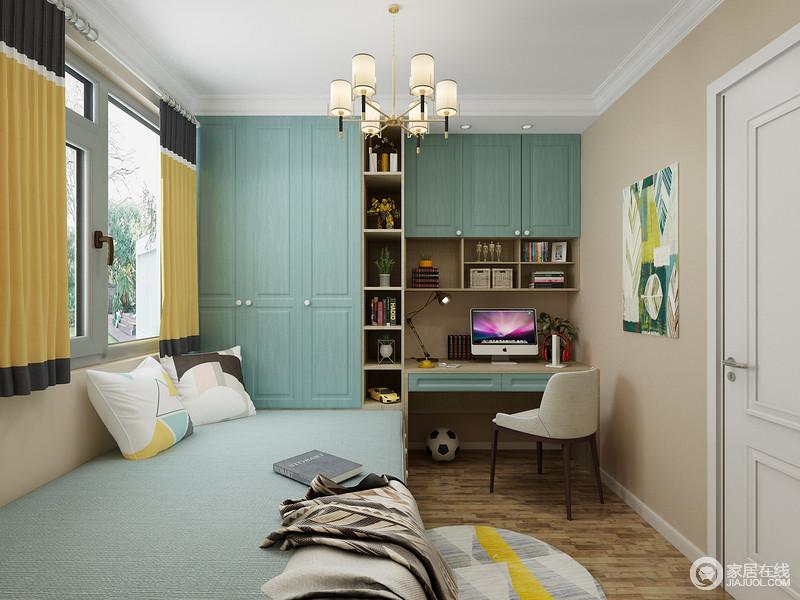 书房利用不同的色彩,打造了一个轻松而欢快的空间,驼色漆粉刷墙面,搭配木地板,构成温实朴质;而蓝色定制得一体式书柜,解决了收纳和学习的功能,与榻榻米极富实用性;黄蓝拼色窗帘、绿色挂画,妆点出空间的色彩艺术,让人十分愉悦。
