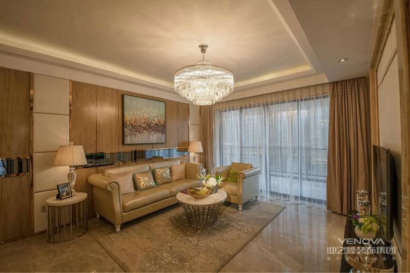 客厅简单大方,淡雅收纳柜感觉出家里的洁净气氛,每天出行都有一个好心情。
