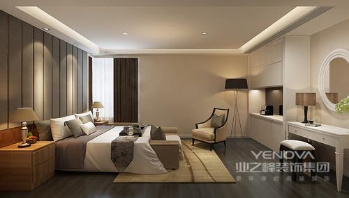 简约的卧室空间不乏设计感,床头以条纹软包拼接实木,以床头柜形成延展。置物柜、梳妆台与地板的色调搭配,与褐、白交相辉映的床品呼应,深浅之中氲出温馨暖雅的休憩氛围。