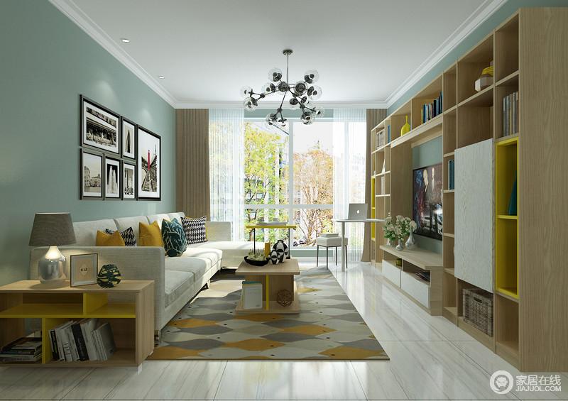 客厅以简洁的设计突出空间质感,从绿色漆背景墙上的黑白照片,到拼色地毯和彩色靠垫,生活充满了朝气与活力;定制得电视柜组合满足收纳的需求,同时,以几何设计,让空间多了一份踏实。