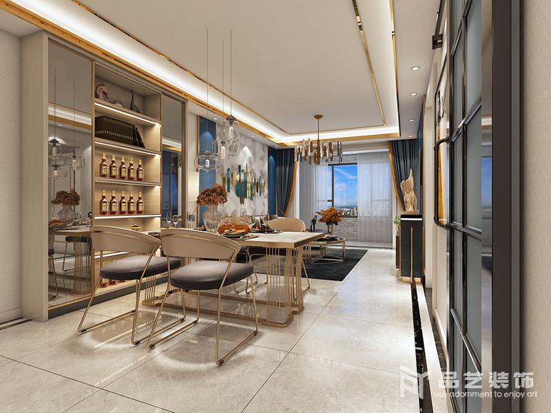 餐廳與客廳僅一步之遙,可以說空間的功能感十足;餐廳利用墻面空間,隔出酒柜,搭配家具,營造了一個較為現代的溫情空間。
