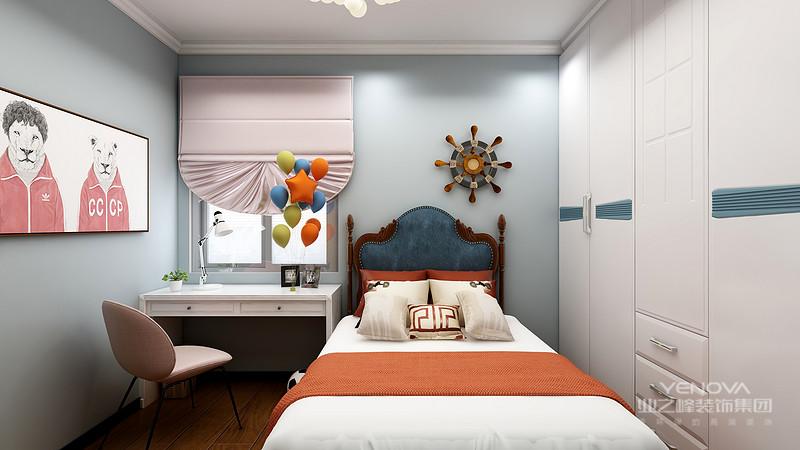 现代简约风格源于西方的现代主义风格,提倡形式追随功能,就是讲究功能第一,花里胡哨的装饰物可以抛开不要。该设计的特色是将房屋的原材料、色彩搭配、灯光照明等进行最大化的简化!但就是这些相当简单的家居装饰,通过设计师的编排设计,往往可以起到很好的视觉效果。并且现代简约风格几乎是所有装修风格里最省钱的一种,所以受到广大消费者的喜爱