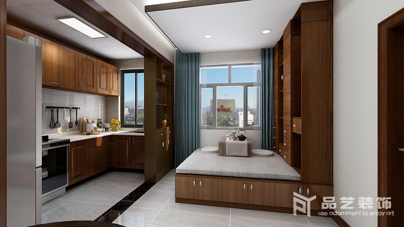 休閑室整體定制而成,實木結構更體現了材質上的考究,再加上儲物功能與榻榻米的設計,讓空間簡單又實用;藍色床品些許清凈感,搭配團蒲和小木幾,讓休閑也具有禪靜,而半開放式廚房處的儲物柜,穩重而得體。