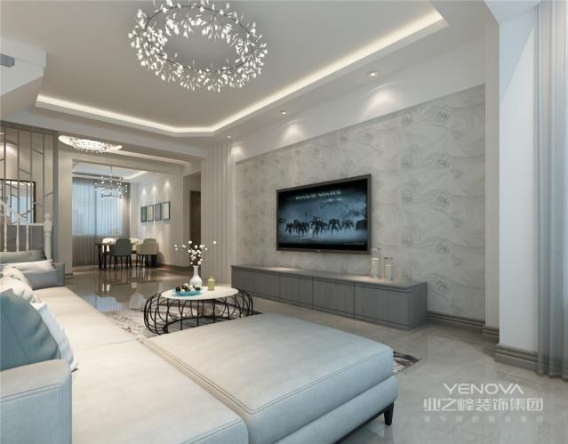 客厅几乎就是家具、背景墙简单的组合就可以了。墙面装饰的种类很多,比如有壁纸、乳胶漆等等,每个人喜欢的风格不同,所以在选择上可以根据个人喜好决定。