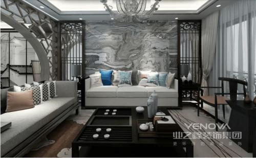 客厅在原有现代结构的基础上,将东方元素做了巧妙地融入,让你感受到新中式设计带来的大气;砖石天然地肌理演绎自然的气魄,实木屏风对称在两侧,与实木桌几透露着东方设计的陈列美学;中性色调的新中式沙发搭配黑檀木茶几,让生活禅静而舒适。