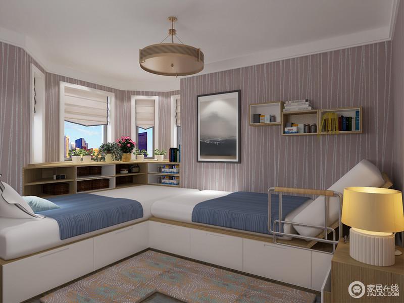 定制L形单人床既不会影响到彼此的休息又节省空间为陪护与被陪护老人带来更多方便。