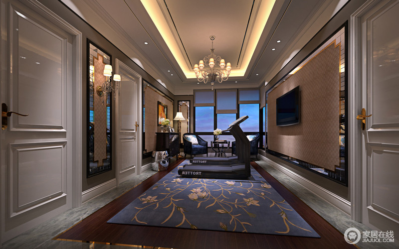 设计师巧妙将健身房与休闲走廊结合,使空间得