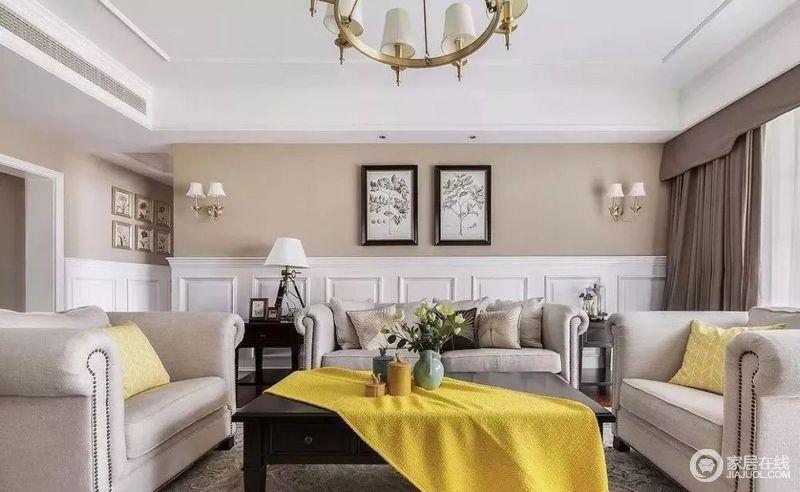 客厅以驼色漆与白色几何板材营造墙面的拼接效果,让原本平静地空间,多了动律;田园的简画带着丝丝清新,与桌面上的瓶器诠释生活的轻简与雅致;胡桃木边几质感上乘,而灯具的对称,无疑,让空间满是和谐。