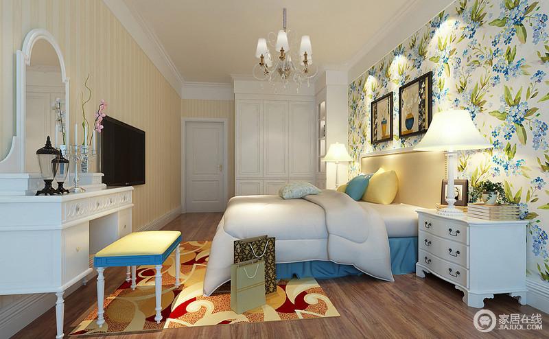 姿态纷呈的花卉壁纸色调太过清新抢眼,整个卧室都充满了自然的芬芳馥郁。白色的床品、家具愈发显得空间的田园情调。黄白相间的竖条纹壁纸,使空间缤纷感更加热烈。