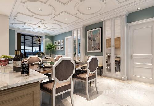 白色方圆吊顶凸出来的造型是空间最美的设计,正好与多边形的椅背形成呼应,演绎几何之美;立面以绿色和白色拼接的方式呈现了田园的清隽,从照片墙到艺术画以不同的思想,让餐厅优雅。