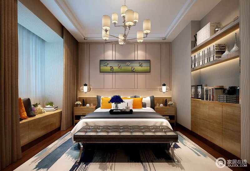 卧室中驼色壁纸和黄色实木柜温馨有加,为了合理地利用空间,设计师将实木书柜嵌入墙体,愈加规整;木质榻榻米以随性的摆设与床品应和,精小的吊灯和床尾凳以迥然的风格,与地毯混搭出别致。