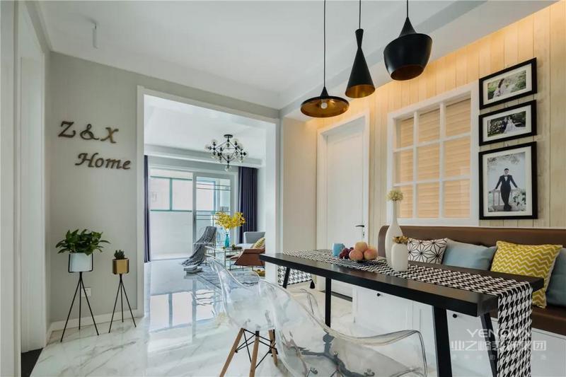 今天分享的是一套建筑面积78平米的现代风小户型二居室案例,设计师在现代简洁的硬装基础上,用清新、活力的颜色搭配素雅、舒适的软装,来营造出这样一种格调满满的感觉,也能够展现出整个家的档次