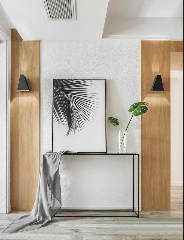 整体空间以现代北欧风为主,遵从内心的感受,以木色,白色,浅灰色来营造了一种舒适感,简洁而不简单。
