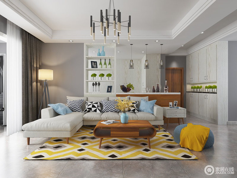 从入户区到客厅休息区自然连贯,回到家换下鞋,就可以在这个素雅大气的空间中好好休息一下了;浅灰色的沙发搭配深灰色的地砖,立马让让安静下来,而几何黄色地毯却不失时机地为空间注入活力,让更为放松。