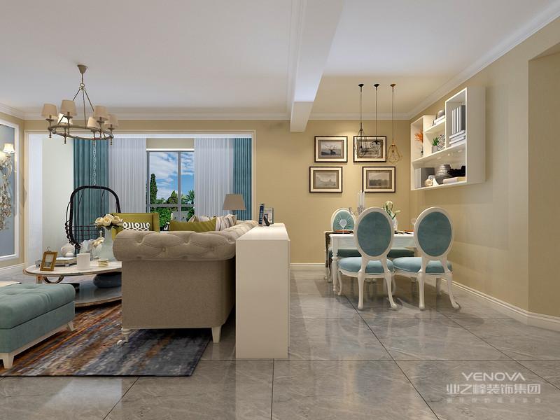 沙发后面的隔断墙设计让客厅与餐厅有了功能划区,白色餐桌搭配白色餐椅,在暖色的墙面的映衬下更为亮眼。