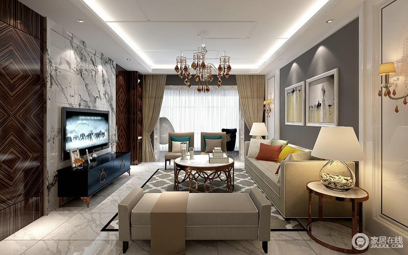 客厅背景墙上丰富的肌理之美,及挂画搭配组合,构建出丰满的视觉效果;浅灰色布艺沙发组柔软简约,金属镂空茶几与地毯网格灵动呼应,空间在多元材质和色调下,营造出内敛浪漫的贵气。