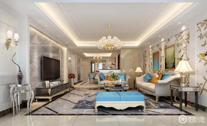 空间功能分明,米色和灰色的砖石营造一种硬朗的色彩美学,让整个家多了石材的肌理美,而欧式家具的清雅与贵气,被显露无疑,再加上蓝色等彩色靠垫,更显活力。