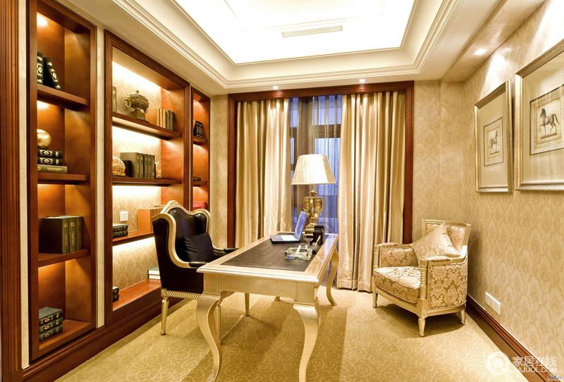 书房除了棕木书柜之外,引人入胜的要说花纹壁纸和典雅和华丽的欧式家具了,虽然家具不多,但是金属质感的书桌、与大气复古地座椅和谐相生,升华了空间的氛围,让你感受一场高贵的艺术。
