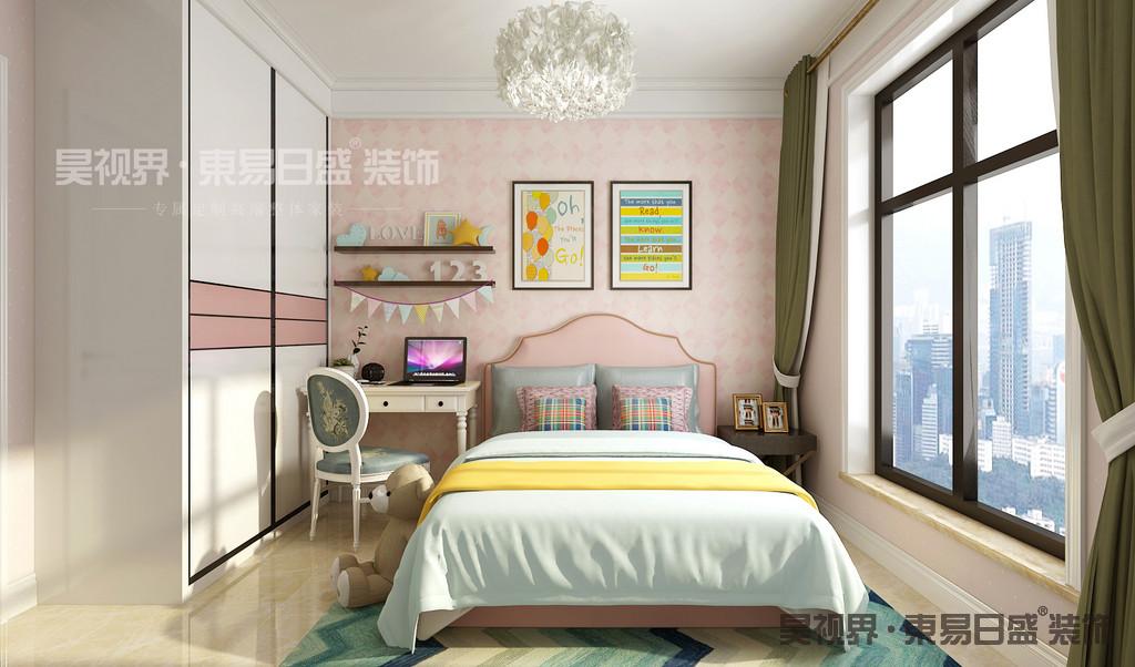 简约欧式风格既保留了古典欧式的典雅与豪华,又更适应现代生活的悠闲与舒适。