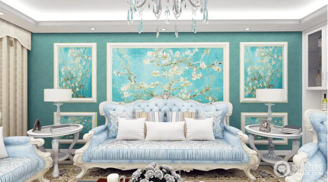 客厅是品味的象征,整体墙面采用白色墙板做造型,再加上蓝色花卉壁纸,几何立体之中,凸显出了蓝色视觉动感;传统欧式沙发低调的奢华,白色圆几的对称式摆放,更是突出了空间的大气。