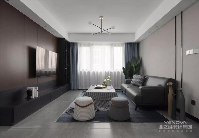 这是一套现代风格的装修案例,与想象中大面积的原木色及暖色调不同,屋主希望他们的家可以更加理性,围绕现代简约风展开,隔离外界嘈杂,开启一个宁静、舒适的新生活。希望这套装修案例能给准备装修的大家带来一些灵感。