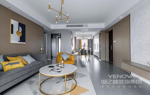 现代风格家居重视功能和空间组织,注意发挥结构构成本身的形式美,造型简洁,反对多余装饰,崇尚合理的构成工艺,尊重材料的性能,讲究材料自身的质地和色彩的配置效果。正如这个三室的装修一样,在以功能为尚的基础上,将灰色或者黄色运用到空间之中,给人一种沉寂和摩登;而金属吊灯或者饰品的点缀,让每个细节都具有了质感,给你一种简单的温实,同时,也享受艺术赋予的摩登。