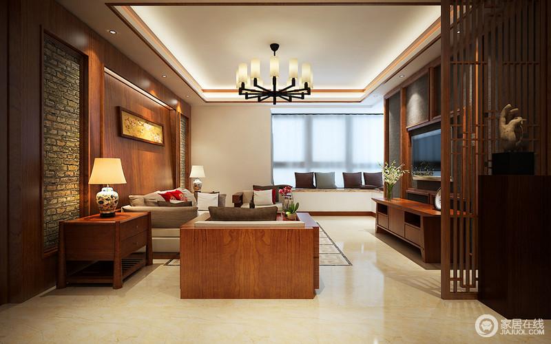 客厅结构格外规整,方形的吊顶因为现代台灯更显质感,虽然地面以浅色地砖为主,但是原木的橙暖之调,让空间和煦洋洋;沙发背景墙裸露的砖石充满了原生气息,与灰色壁纸装饰的电视背景墙呼应出大气;实木格栅屏风以造景设计,让艺术品和家具合为一气,而飘窗的简单温和,与整个空间重新组合出新中式之雅。