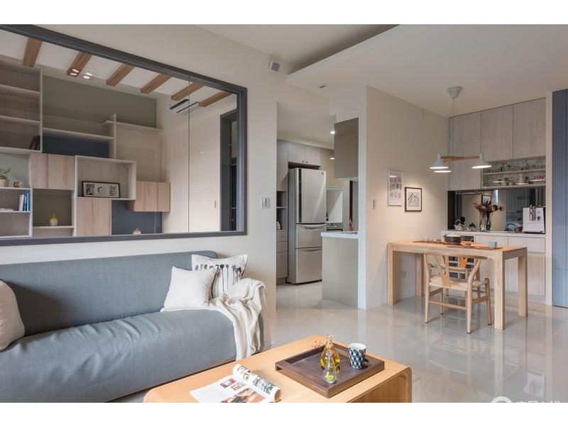 """客餐厅一体式设计让空间格外自在,动线分割更是多了自在;从客厅的休息区到餐厅的用餐区,可谓""""功能为尚,"""""""