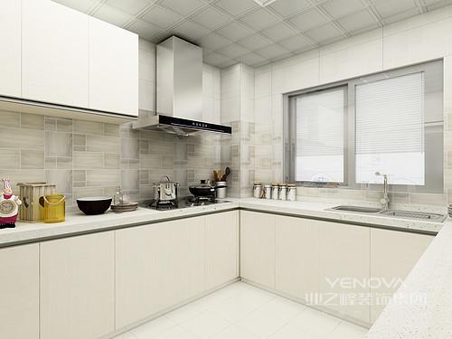 本案三居的房子面积也还算可以,客户想要的欧式风格也比较合适,以大气典雅,给居室空间创造温暖舒适的感觉为设计初衷,给业主带来欧式大气的居住感受。