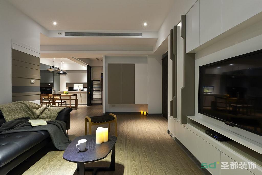 客厅主要提倡公共区域的开放性,客餐厅视野宽阔,用星点光做色彩基调,用线条装饰背景,简洁大方,宽松有致。