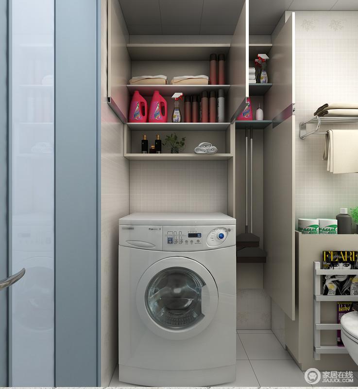 马洗衣机吊柜+工具柜是设置合理的利用了洗衣机周边的空间,又提供了强大的收纳空间,可以放置衣架,洗衣粉,和一些家政工具等。