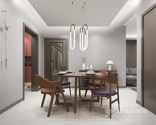 以 很灰色调为主的客厅,墙面以浅灰为主,局部用高贵的紫色做点缀,将高贵的气质展现的淋漓尽致,颜色质朴的收纳茶几和收纳边几的出现帮你解决了客厅杂乱物件的收纳,简洁明快贯 彻在整间房间的每个 细节。